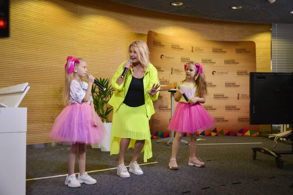 Majka z dziećmi podczas eventu